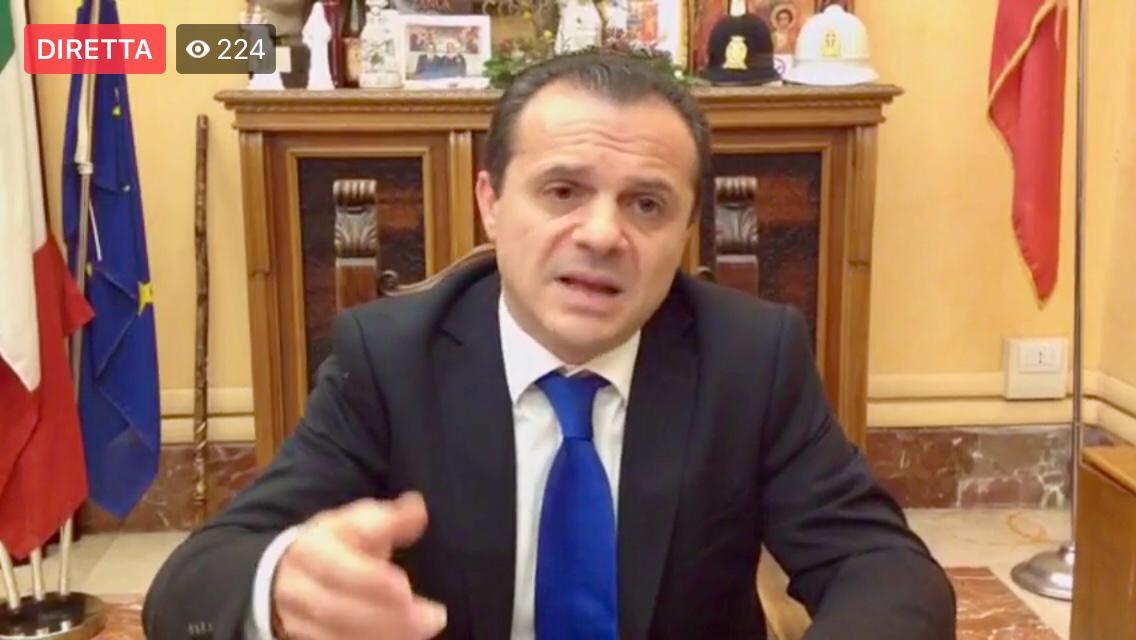 A Messina Cateno De Luca paga il fatto di avere sconfitto centrodestra e centrosinistra