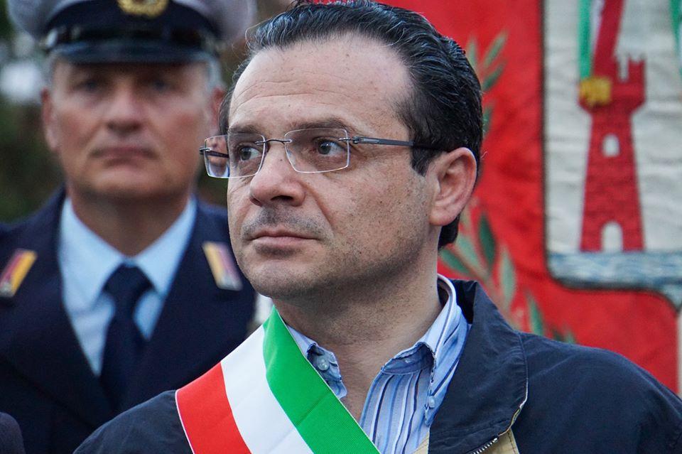 Messina, il sindaco Cateno De Luca blocca le antenne del 5 G