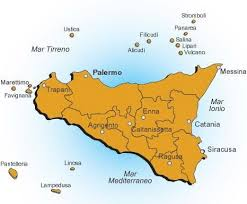 Perché i siciliani che arrivano dal Nord Italia non possono sbarcare in Sicilia e i migranti sì?/ MATTINALE 486