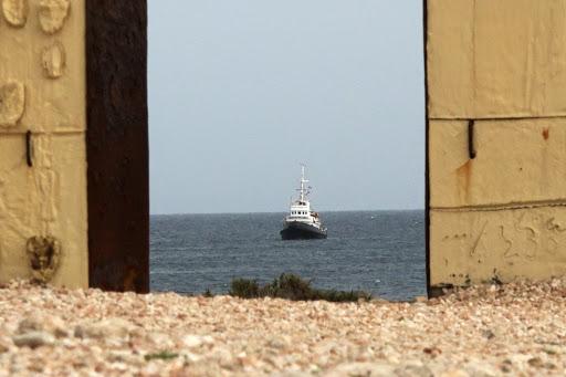 Coronavirus/ Sicilia sempre più sola, dallo Stretto di Messina fai-da-te al caos migranti a Lampedusa/ MATTINALE 484