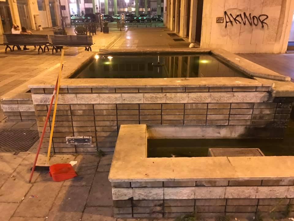 PALERMO-CITTA' 3/ La fontana di via Generale Magliocco trasformata in una palude con gli scarafaggi!