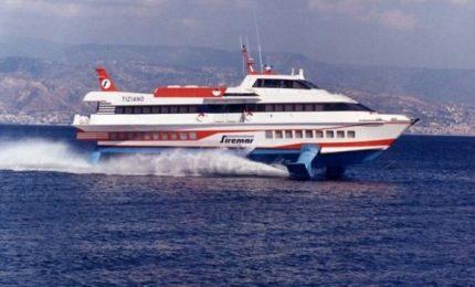 Trasporti marittimi in Sicilia: per non perdere il lavoro dorme nella propria auto