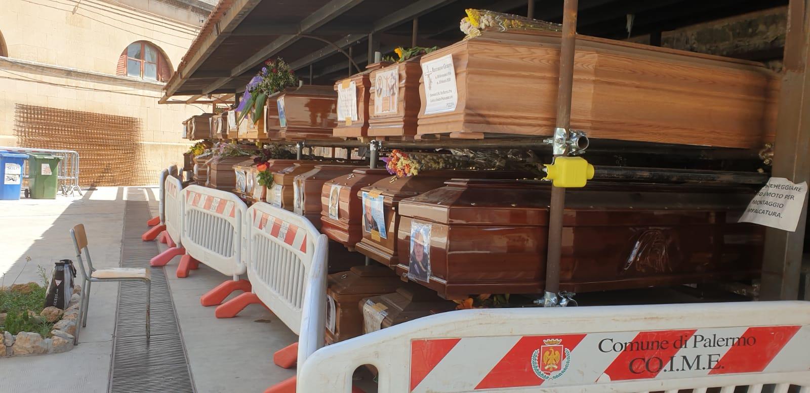 Palermo, 'vietato' morire fino a Ottobre…