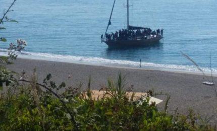 Centrosinistra, centrodestra, grillini: tutti d'accordo nel riempire la Sicilia di migranti economici/ MATTINALE 493