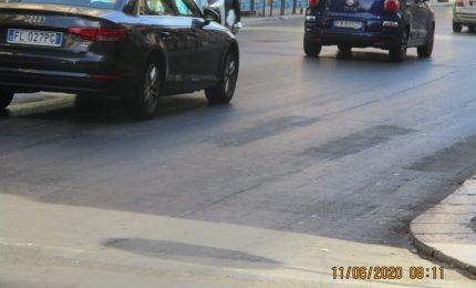 PALERMO-CITTA' 10/ Chi ha detto che non c'è 'trasparenza'? Le strisce pedonali di via Roma lo sono!