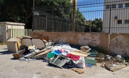 """Terza Circoscrizione di Palermo: cittadini costretti a vivere in uno """"schifoso immondezzaio"""" (FOTO)"""