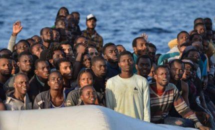 Gestione migranti, c'è stanchezza in tutta Italia. Riempiranno la tendopoli di Vizzini?/ MATTINALE 500