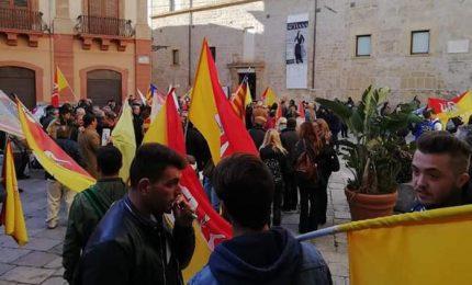 Migranti/ Siciliani Liberi: Musumeci svuoti Hotspot e Centri di accoglienza e sostituisca i Prefetti che non gli obbediscono