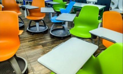 """Diego Fusaro: """"La digitalizzazione della scuola prevede la cancellazione dei libri e della scrittura cartacea"""""""