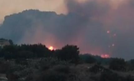 Una sciroccata e in Sicilia, come per 'magia', tornano gli incendi nelle aree verdi