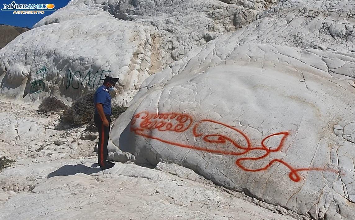 Punta Bianca sfregiata con la vernice: la denuncia di Mareamico di Agrigento (VIDEO)