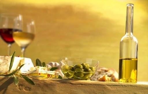 Si è insediato il Cda dell'Istituto regionale del vino e dell'olio: quante chiacchiere inutili!