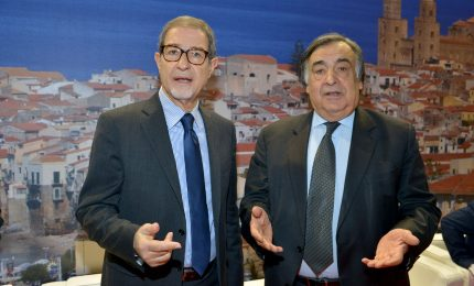 La Sicilia e Palermo 'guidate' da gamberi: invece di andare avanti vanno indietro!
