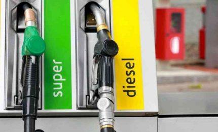I gestori dei distributori dei carburanti? I nuovi schiavi del nostro tempo (VIDEO DI Byoblu)