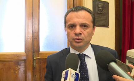 Cateno De Luca minaccia di occupare l'assessorato regionale alle Attività produttive (e magari di fare le scarpe a Musumeci...)