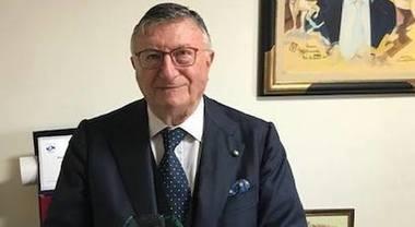 """Il virologo Giulio Tarro: """"La mascherina all'aperto non serve"""". E ora che diranno Conte e i presidenti delle Regioni? /MATTINALE 465"""