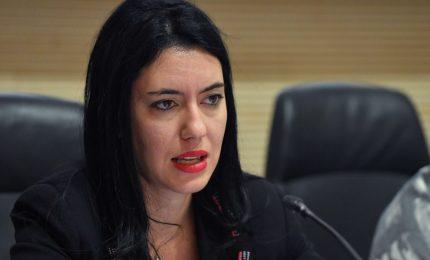 Scuola, la Ministra Azzonina contraria alla didattica a distanza. Ma...
