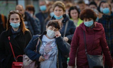 Coronavirus: obbligo delle mascherine all'aperto con scuole e altre attività aperte?/ MATTINALE 458