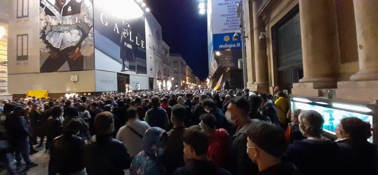 A Catania gli Indipendentisti siciliani hanno riempito Piazza Università (VIDEO)