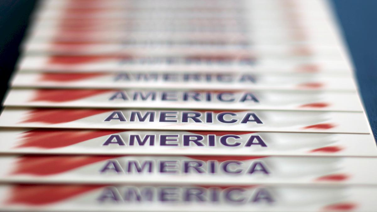 Le elezioni americane bloccate da 300 mila schede scomparse. Nessun vincitore fino a Gennaio. Poi…/ SERALE
