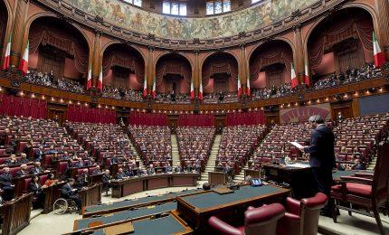 Il 'regalo di Natale' per deputati e senatori: 800 milioni di euro per il 2021!/ SERALE