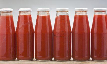 'Offertissima': 3/4 di litro di passata di pomodoro a 0,50 euro. Ma cosa ci vendono?