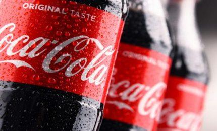 Il Covid-19 mette in crisi anche la Coca-Cola, che annuncia un taglio di oltre 2 mila dipendenti