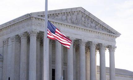 Elezioni americane: domani la Corte Suprema si pronuncia su un ricorso di Trump sul voto in Pennysilvania