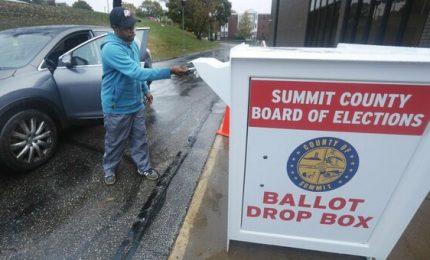 Cosa insegnano le elezioni americane: niente voto per Posta e niente sistemi informatici (VIDEO)/ SERALE