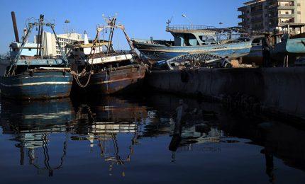 """""""La Sicilia vuole i suoi pescatori liberi!"""": manifestazioni in quattro città siciliane/ MATTINALE 524"""