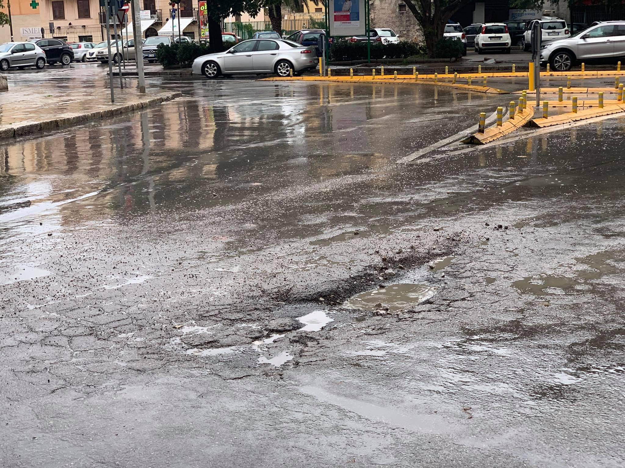 Strade abbandonate, Corso Tukory cade a pezzi! /PALERMO-CITTA' 63