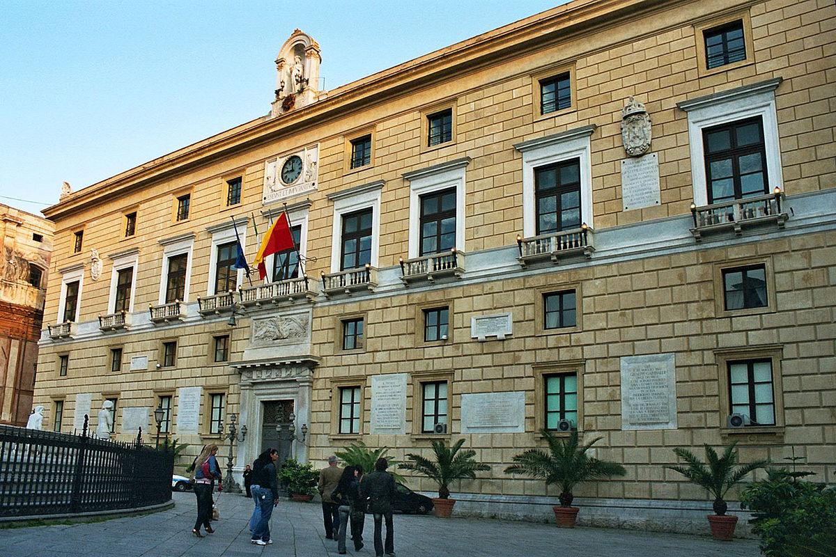 Palermo, Sabrina Figuccia e Igor Gelarda contro il sindaco su rifiuti, cimiteri e processo Cupola 2.0