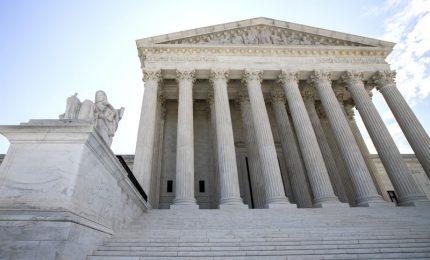 I Democratici americani hanno paura delle notizie sui brogli elettorali. Si spacca la Corte Suprema degli Stati Uniti (VIDEO)