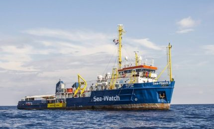 Migranti, 'contributi', reati: ma a Lampedusa e nei 'Porti sicuri' della Sicilia gli sbarchi continuano in piena pandemia/MATTINALE 516