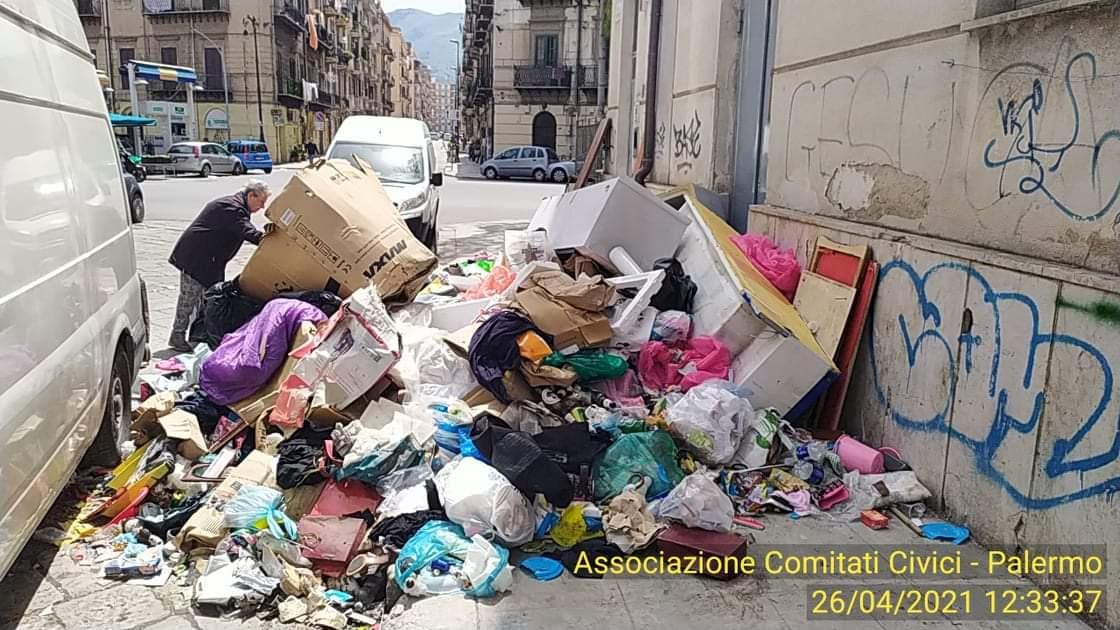"""Albergheria di Palermo, quartiere """"sfruttato da tutti, tutelato da nessuno"""": imperdibile 'mostra fotografica' sulla munnizza"""