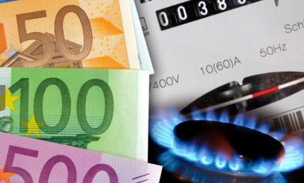 Da oggi aumentano del 4% le bollette di luce e gas. E il Governo Draghi che fa? Nulla!