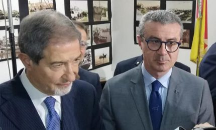 Ancora con questa storia che i cittadini siciliani, per andare in spiaggia, debbono chiedere il 'permesso' al Governo regionale!