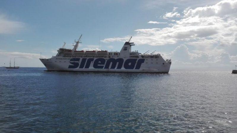 La nave 'Laurana' in servizio tra Milazzo e le Eolie collega anche Messina e Salerno?