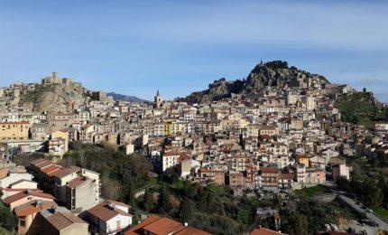 La storia di San Fratello, colonia lombarda in Sicilia raccontata magistralmente da Vincenzo Consolo
