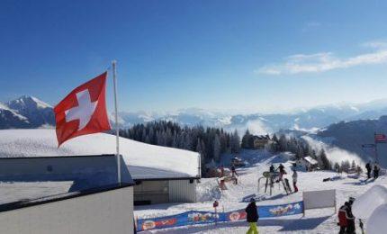 Sciare: i turisti li ha presi tutti la Svizzera dove ancora oggi sono in funzione oltre 700 impianti. E non si è ammalato nessuno!/ MATTINALE 542