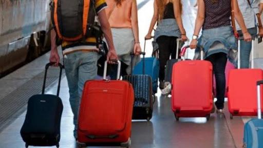 """Primo Maggio in Sicilia: """"Ripartenza""""? Sì, per emigrare: con biglietto di solandata"""