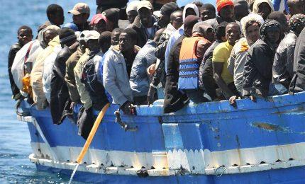 A noi ieri hanno detto che a Lampedusa, a sera, si contavano 2 mila migranti sbarcati. Tutto a posto con la pandemia?/ MATTINALE 475
