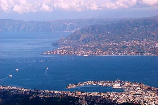 Il Ponte sullo Stretto di Messina: ma, alla fine, quali sarebbero questi vantaggia (a parte gli appalti & gli affari)?