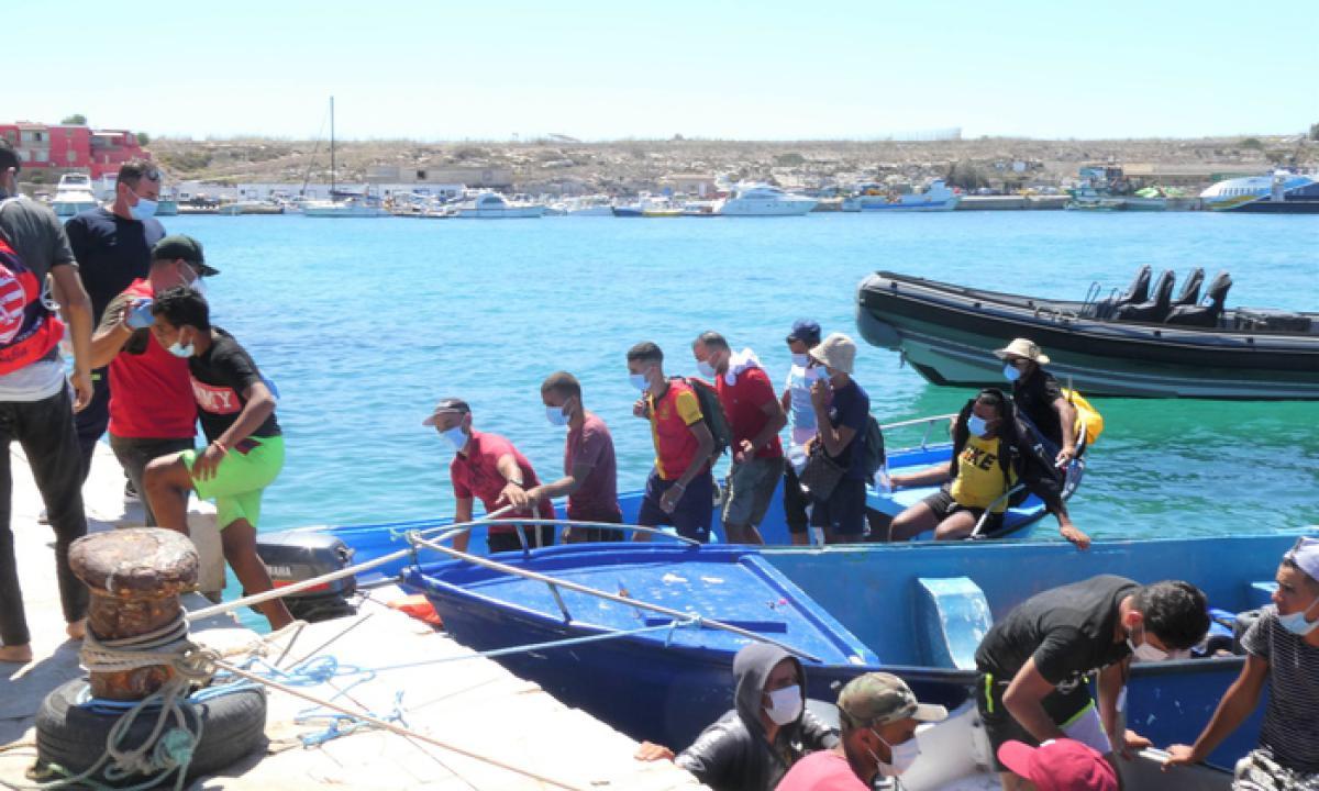 Se in due giorni sono arrivati in Sicilia oltre mille migranti che succederà in Estate? Che cosa ci aspetta?/ MATTINALE 469