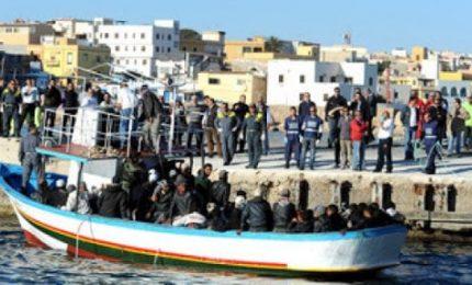 Lampedusa 'assediata' dai migranti: sette sbarchi in poche ore. Sicilia in ginocchio mentre Lega e Fratelli d'Italia fanno solo demagogia da quattro soldi!