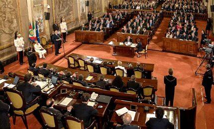 La sanatoria approvata ieri dall'Ars che ha spaccato la maggioranza e l'opposizione/ MATTINALE 526