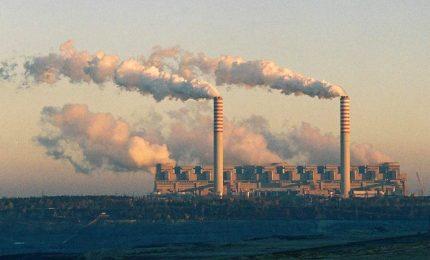 Non è vero che nel mondo si usano meno carburanti fossili. Forse è così in Occidente, ma non in Cina, in India e in Russia