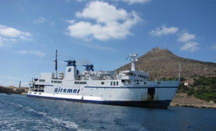 Trasporti marittimi in Sicilia (o quasi): 'attumbuliò' anche la nave che collega Palermo con Ustica!