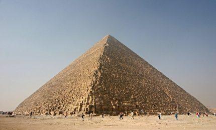 Chi ha costruito la Grande Piramide? Il dubbio di una tecnologia aliena
