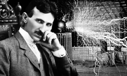 """Nikola Testla: """"L'uomo porterà il telefono in tasca, potrà comunicare istantaneamente con gli altri..."""""""